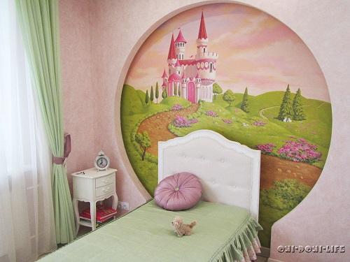 роспись в комнате для девочки